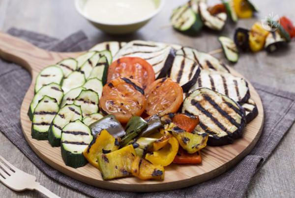 insalata-di-verdure-e-scamorza-grigliate-copert